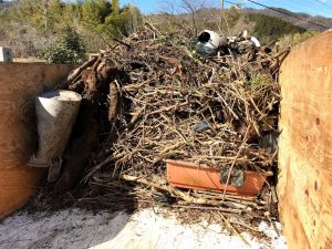 積み込み 木
