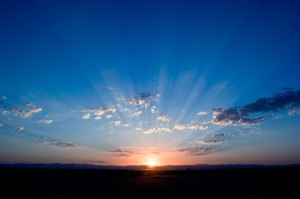 新しい旅立ち、日の出