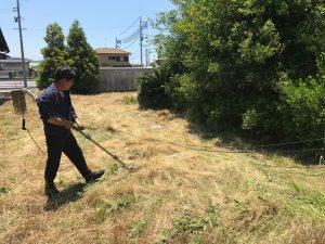 草刈り作業中庭3