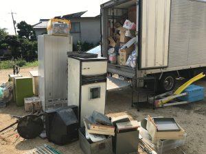 トラック荷物2